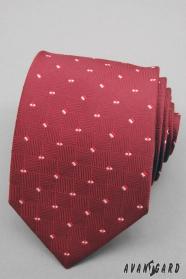 Červená pánská kravata s malými čtverečky