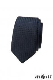 Tmavě modrá slim kravata s kostkovaným 3D vzorem