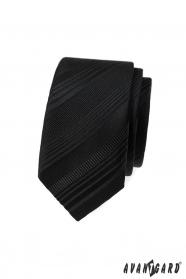 Černá slim kravata s různými pruhy