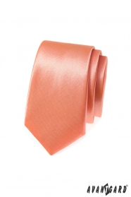 Jednobarevná úzká kravata v lososovém tónu