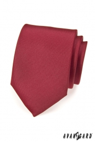 Hladká bordó kravata matná