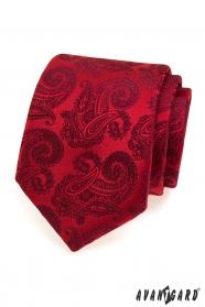 Červená kravata vzor paisley