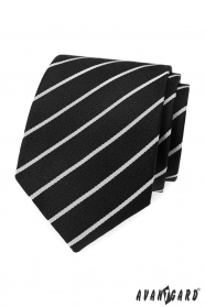 Černá kravata s bílým pruhem