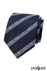 Modrá strukturovaná kravata s bílým pruhem