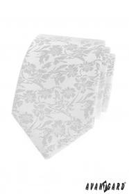 Bílá kravata s květinovým vzorem