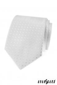 Stříbrná kravata se čtverečky