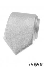 Kovově lesklá stříbrná kravata