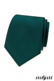 Zelená kravata s čárkovanou strukturou