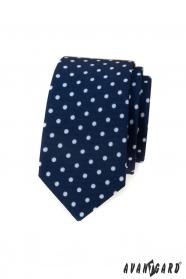 Modrá slim kravata s bílými puntíky