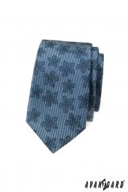 Modrá slim kravata s tmavým květinovým vzorem