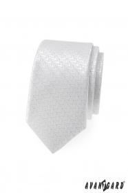 Bílá slim kravata ozdobnými proužky