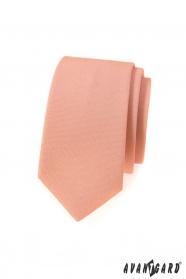 Úzká kravata v lososové barvě