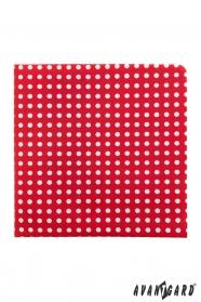 Červený kapesníček s bílými puntíky