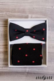 Černý motýlek s puntíkem v setu s ponožkami