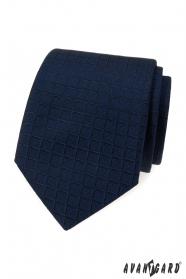Modrá kravata se čtvercovou strukturou