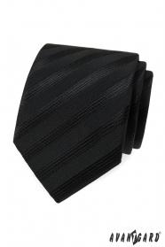 Černá kravata s širokými pruhy