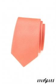 Úzká kravata s matné lososové barvě