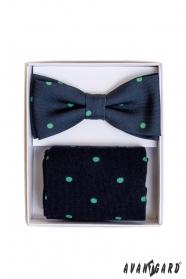 Modré ponožky s puntíkem v setu s pánským motýlkem