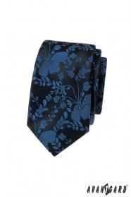 Úzká kravata s modrým vzorem